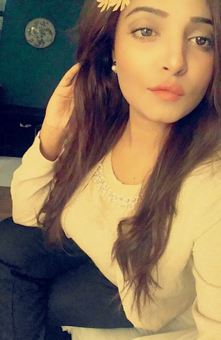 student escorts in lahore